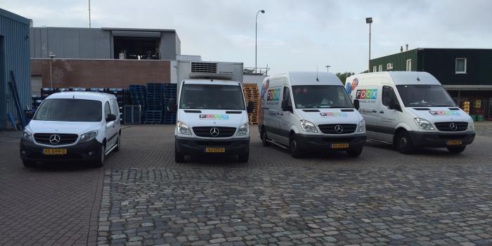 Groothandel de Smet Oostburg ontvangt vierde Mercedes-benz via Van Waterschoot